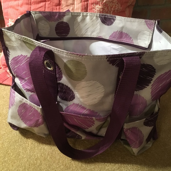 thirty-one Handbags - Thirty one organizing zip top utility tote